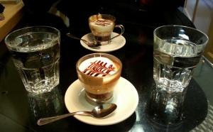 Caffè marocchino al Dobar in Via delle Carrozze